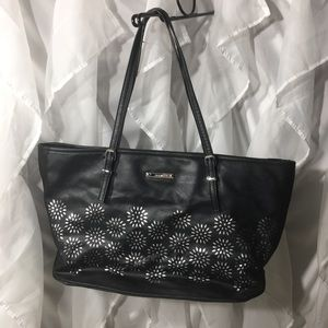 Nine West black and silver tote in great shape